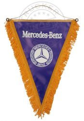 Felakasztható nagy háromszög zászló MERCEDES